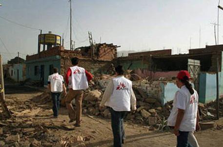 Equipe de MSF chega à Guadalupe, cidade de 12 mil habitantes localizada a 100 Km de Pisco e uma das mais gravemente atingidas por terremoto. Foto: François Dumont
