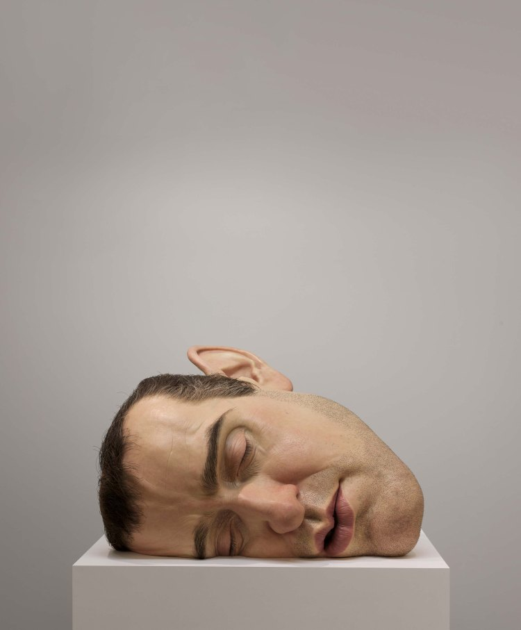 Mask II, 2002 (Máscara II) 77cm x 118cm x 85cm Anthony d'Offay, Londres