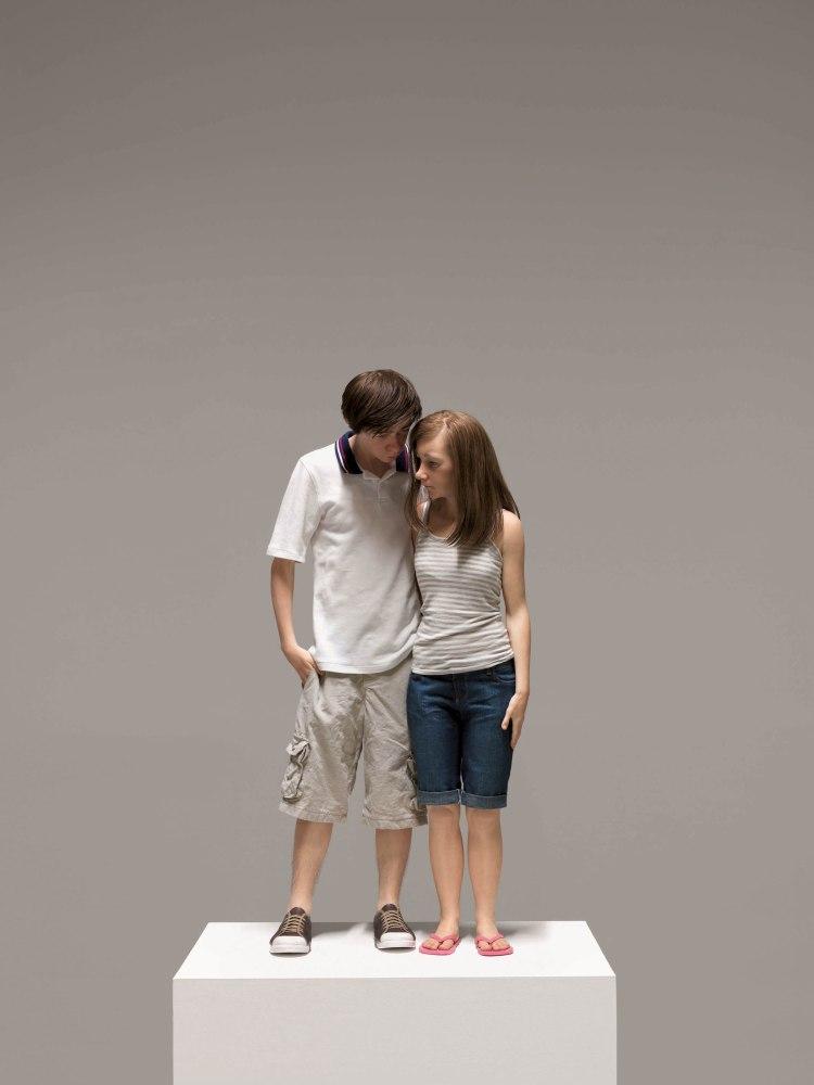 Young Couple, 2013 (Jovem Casal) 89cm x 43cm x 23cm Coleção particular Cortesia Hauser & Wirth