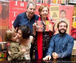 Daniel Filho, Fernanda Montenegro, Fernanda Torres e o filho Antonio e Gregorio Duvivier / Foto: Mayra Nolasco