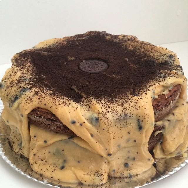 Bolo de brownie todo de brigadeiro de Galak com Oreo / Foto: Agatha Chocolates